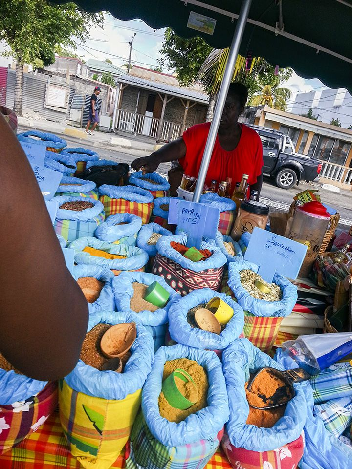 Französische Sprachreisen Guadeloupe - Markt in Saint Anne