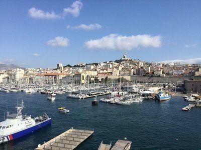Sicht vom Hafen in Marseille - Französisch Sprachreisen