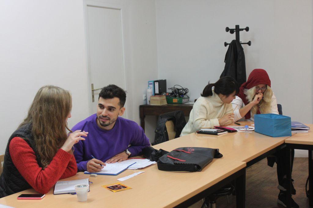 Studenten der Sprachschule in Paris