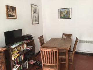 Privat 3-Zimmer Wohnung - Wohnzimmer