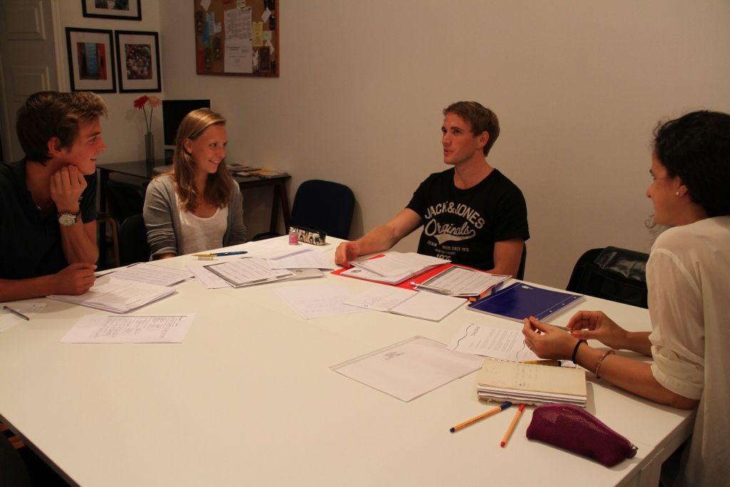 Studenten der Sprachschule in Lissabon