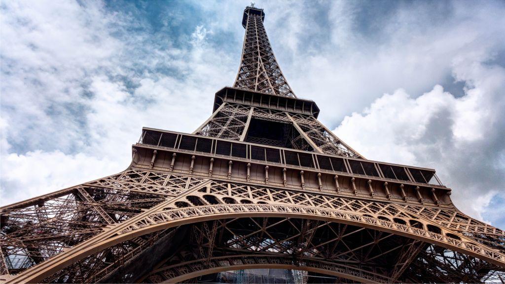 Der Eiffelturm in Paris - Sprachreise nach Frankreich