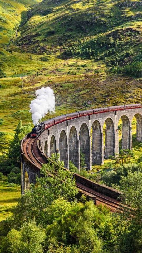 Mit der Eisenbahn durch das hoch gelegene Hinterland der kühleren Horton Plains nach Kandy und Nuwara Ellya - Singhalesisch lernen auf Sri Lanka