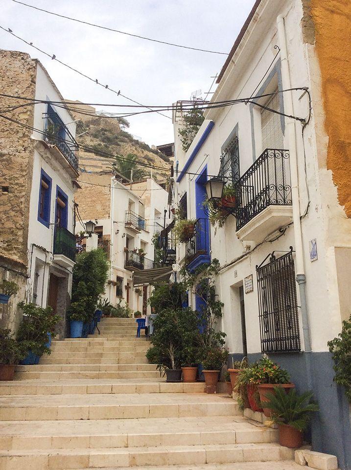 Spanisch Sprachreisen - Barrio antiguo unterwegs im alten Alicante