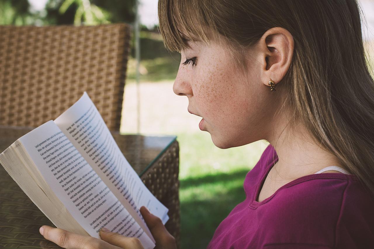 Ideal zum Englisch lernen: In der Freizeit einen guten Jugendroman auf Englisch lesen!