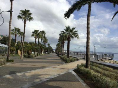 Spachreise nach Zypern - nach dem Sprachkurs lockt die Strandpromenade.