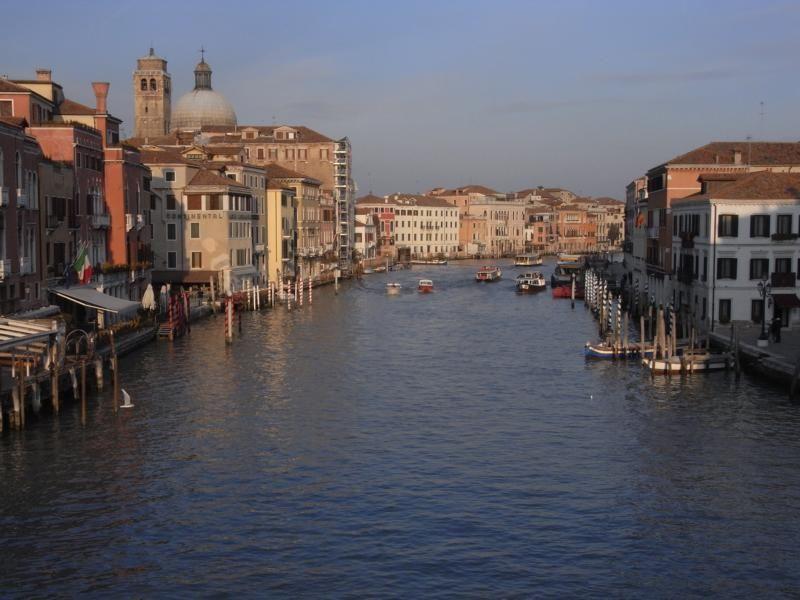Italienischlernen in Venedig auf dem Canaregio Kanal